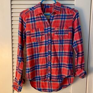 HOLLISTER plaid button down blouse